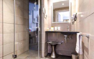 Hotel le Saint Paul chambre classique salle de bain