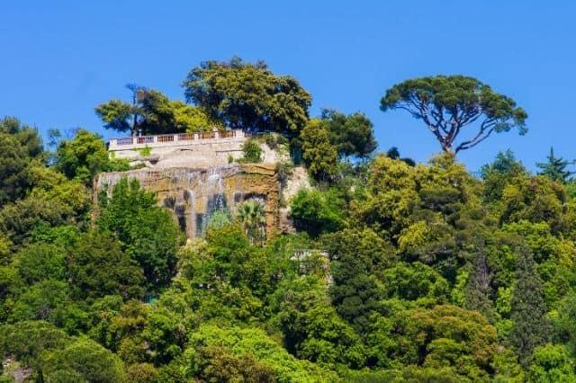 Fontaine de la colline du chateau Nice